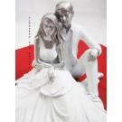 Brautpaar Liebespaar sitzend weiß-silber ca. 18 x 14 cm