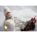 1 Winterkind Junge mit LED-Schneekugel, weiß  Höhe ca. 14cm