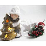 1 Winterkind Mädchen mit LED-Tannenbaum, weiß/braun  Höhe ca. 14cm