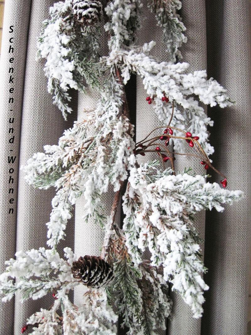 Deko-Tannengirlande verschneit mit Beeren und Zapfen ca. 25 x 130 cm