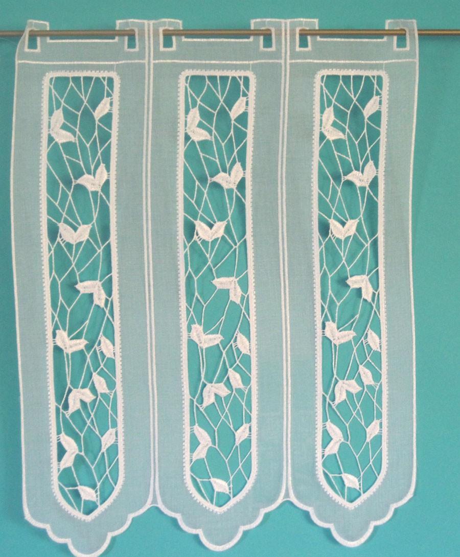 Kurzgardine mit Stickerei-Segmenten-75 cm