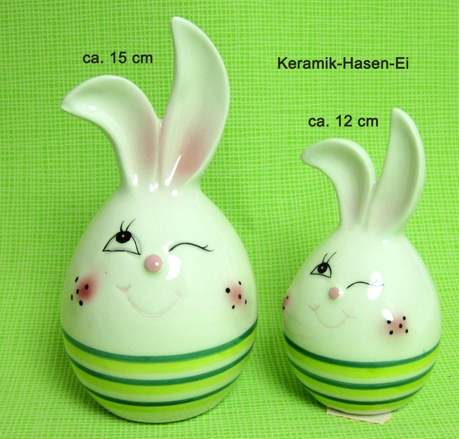 Keramik Deko-Ei ca. 12 cm mit grünen Streifen und Hasengesicht