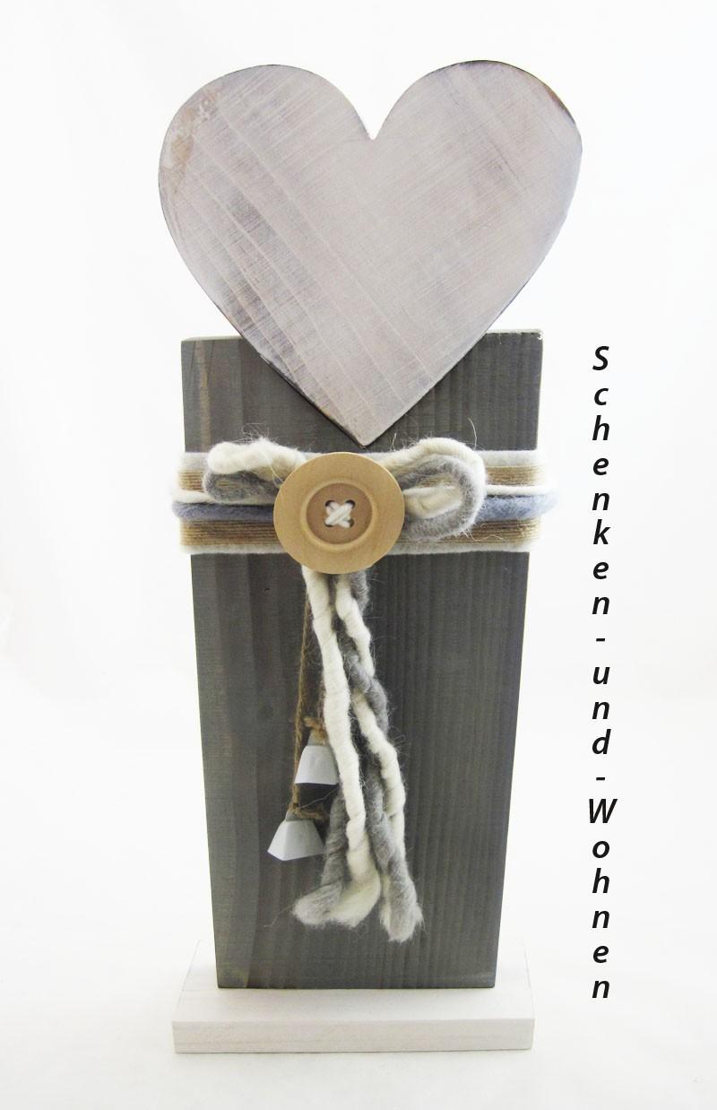 Holzsäule/Ständer mit Herz und Deko grau-weiß gewischt, ca.20,5 x 10 x 54 cm