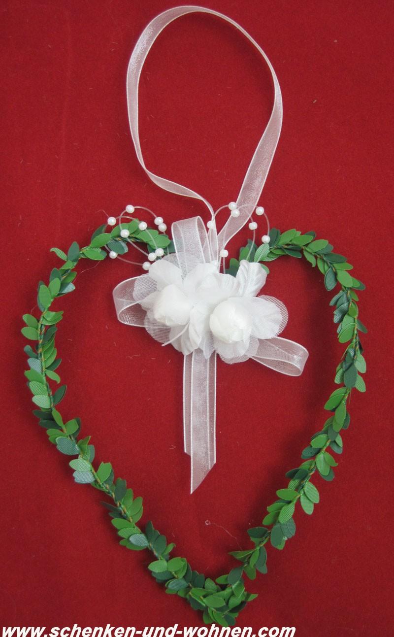 Herzhänger - Hochzeit  mit weißen Rosen und Perlenschnur ca. 15 cm