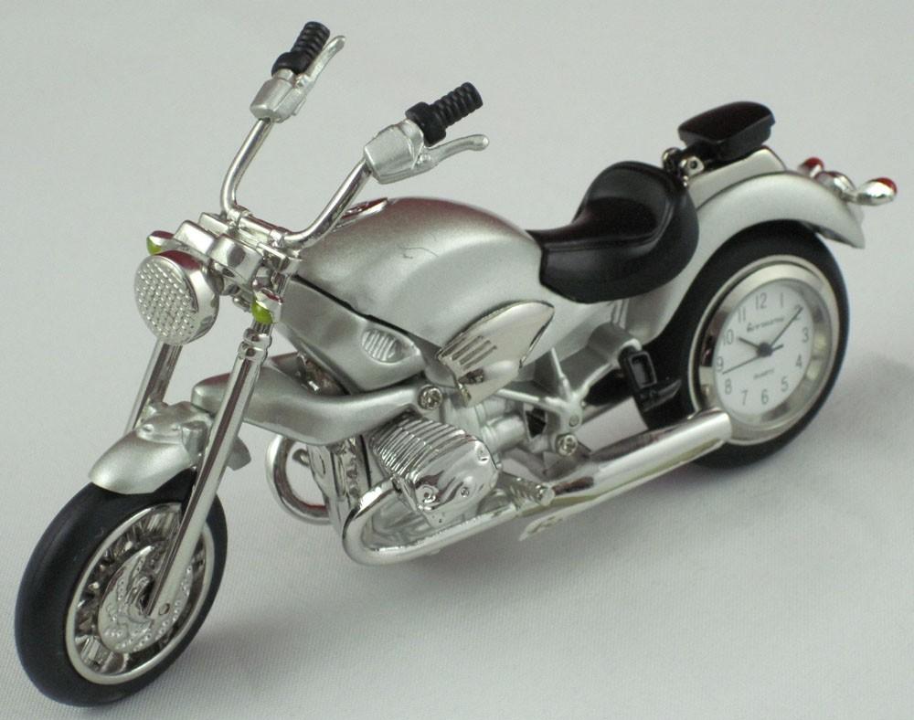 Motorrad mit Uhr