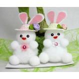 Hasenpärchen aus Textilmaterial mit Hut ca. 8 cm
