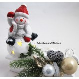 Keramik-Schneemann auf Kugel LED weiß/rot 8 x 8 x 14 cm