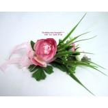 Tischdeko Ranunkel mit 3 Blüten und Schleife, rosa/weiß/grün ca.18cm