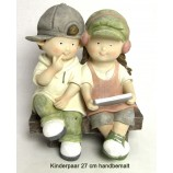 Kinderpaar auf Bank mit Tablet aus Polyresin ca. 27 cm handbemalt