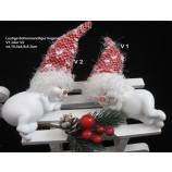 1 Schneemann liegend mit gekräuselter Textilmütze V1, ca. 10,5 x 4,8 x 5,3 cm