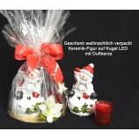 Geschenk fertig verpackt Keramik-Figur auf Kugel LED mit Duftkerze