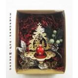 """Geschenke-Box  """" Laserholz-Teelichthalter Tanne"""" sortiert."""