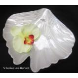 Glasschale -Teller  blattförmig, Weiß mit Perlmuteffekt ca. 25 x 23 x 3,5 cm