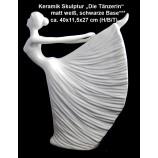 "Keramik-Skulptur ""Die Tänzerin"" matt weiß, schwarzer Sockel ,Höhe ca. 40 cm"
