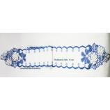 Tischband - Plauener Spitze - blau/weiß mit Rosenmotiv ca. 120 x 11 cm