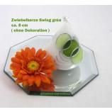 Zwiebelkerze Swing grün, silber, weiß ca. 8 cm